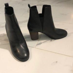 Cole Hana black ankle boots, size 7.5, NWOT